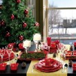 glamorous-red-christmas-dinner-table-decoration-simpe-ideas-to-creating-a-memorable-christmas-moment-525x656