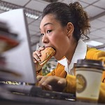 Why Eating While Distracted Can Make You Fat
