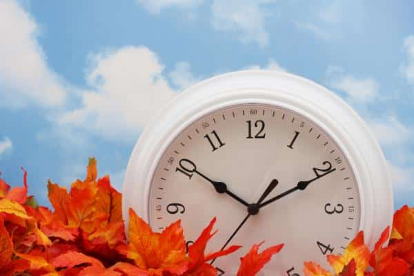 Fall Back: Tips on How To Deal With the Autumnal Time Change