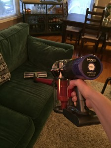 dyson absolut cordless easy cleaaning couches