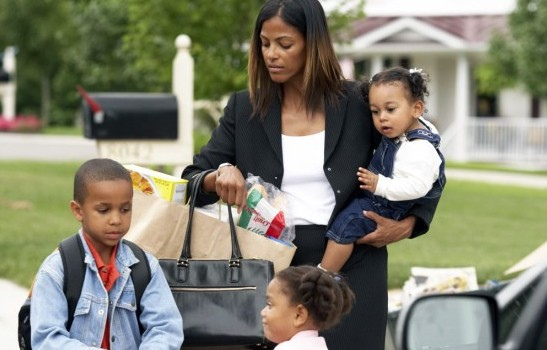 3 Ways Working Mommies Can Stay In-Tune With Their Kids
