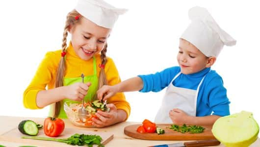 Top Tips to Get Your Child to Eat Healthily