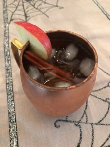 fizzy caramel apple cocktail recipe
