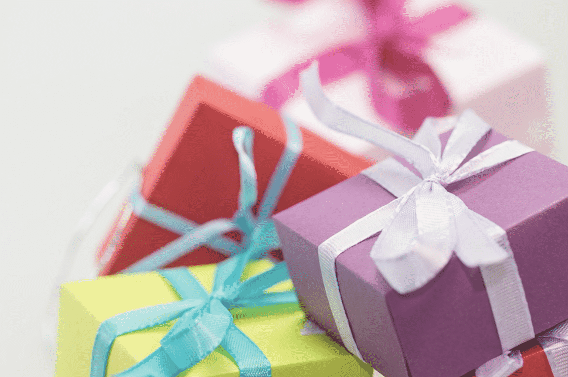 6 Personalized Presents for Someone You Love - The Healthy Voyager