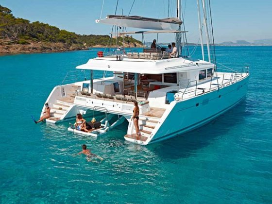 incrediblue yacht rental