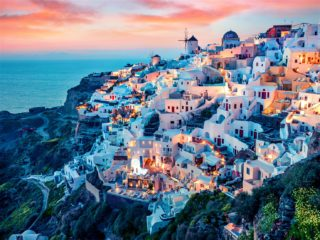 The 4 Most Must-Try Experiences in Santorini