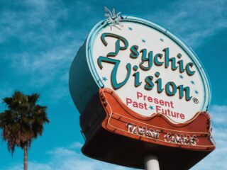 5 Things to know about buying Psychic Readings