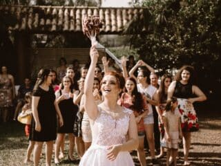 Do's & Don'ts of Summer Wedding Outfits