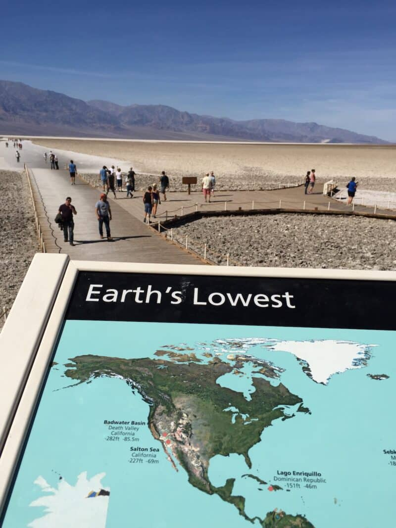 badwater-basin-death-valley-healthy-voyager.